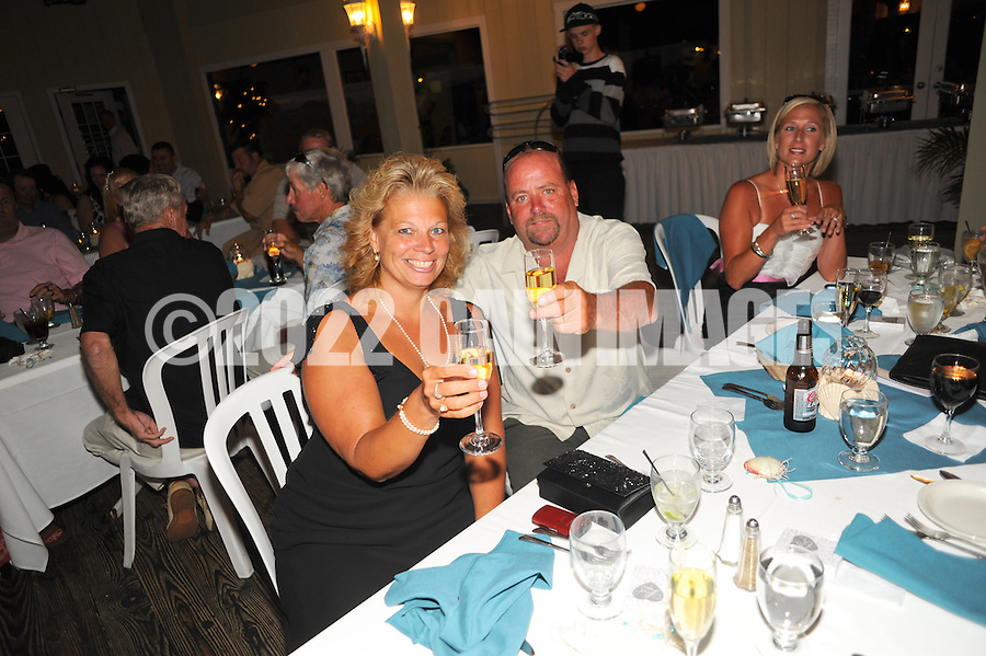 9/11/10 7:26:20 PM -- Christine & Warren --  Wildwood Crest, New Jersey -- Photo by William Thomas Cain/cainimages.com