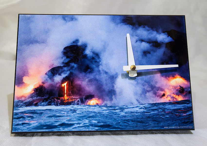 BIG ISLAND LAVA CLOCK $40<br />