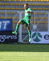 BOGOTA - COLOMBIA-17-05 -2013:  Vladimir Marín  jugador del Cali  celebra su gol contra la Equidad  durante partido en el estadio de Techo  de la ciudad de Bogotá, mayo 17  de 2013. partido por la  fecha Diez y seis  de la Liga Postobon I. (Foto: VizzorImage / . Vladimir Marín  of  Cali player celebrates his goal against equity during party in the stadium roof in the city of Bogotá, May 17, 2013. match Sixteen date of the League Postobon I..VizzorImage / Felipe Caicedo / Staff