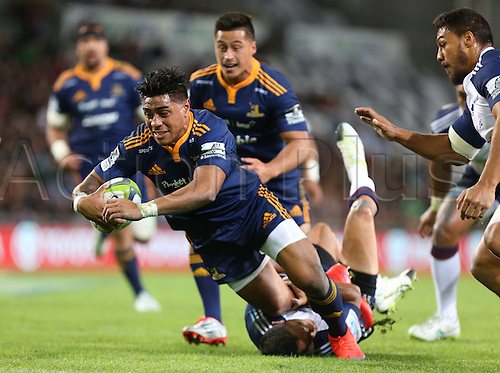 18.04.2015. Dunedin, New Zealand.  Highlanders Malakai Fekitoa dives over to score a try during the Super 15 rugby match between the Highlanders and the Blues at Forsyth Barr Stadium, Dunedin, Saturday, April 18, 2015.