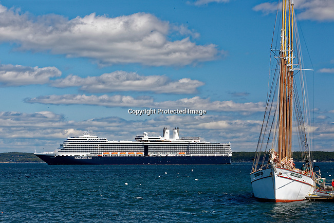 Schooner Margaret Todd and cruise ship Caribbean Princess in Bar Harbor, Maine, USA