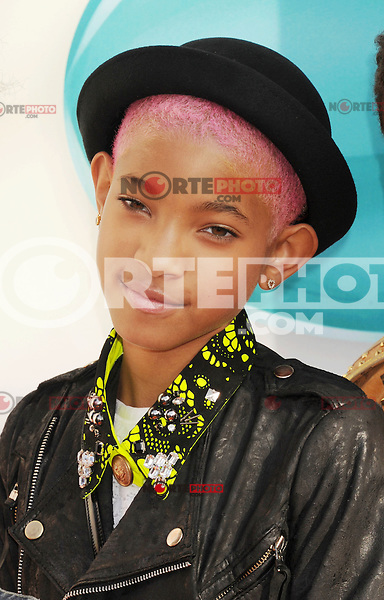 LOS ANGELES, CA - MARCH 31: Willow Smith  arrives at the 2012 Nickelodeon Kids' Choice Awards at Galen Center on March 31, 2012 in Los Angeles, California.