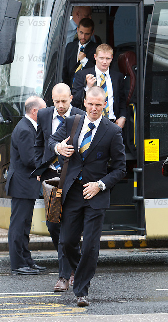 Kenny Miller and Alan Hutton at Glasgow airport