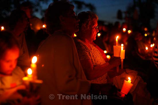 Huntington - Members of the community turned out Friday night for a candlelight vigil for the six trapped miners in the Crandall Canyon Mine.