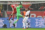 12.01.2018, BayArena, Leverkusen , GER, 1.FBL., Bayer 04 Leverkusen vs. FC Bayern M&uuml;nchen<br /> im Bild / picture shows: <br /> Sven Ulreich Torwart (Bayern Muenchen #26), gegen Lucas Alario (Leverkusen #13),  <br /> <br /> <br /> Foto &copy; nordphoto / Meuter
