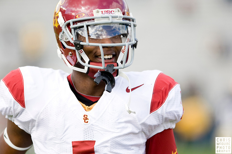 10/17/09 - South Bend, IN:  USC wide receiver DeVon Flournoy warms up for USC's game against Notre Dame at Notre Dame Stadium on Saturday.  USC won the game 34-27 to extend its win streak over Notre Dame to 8 games.  Photo by Christopher McGuire.