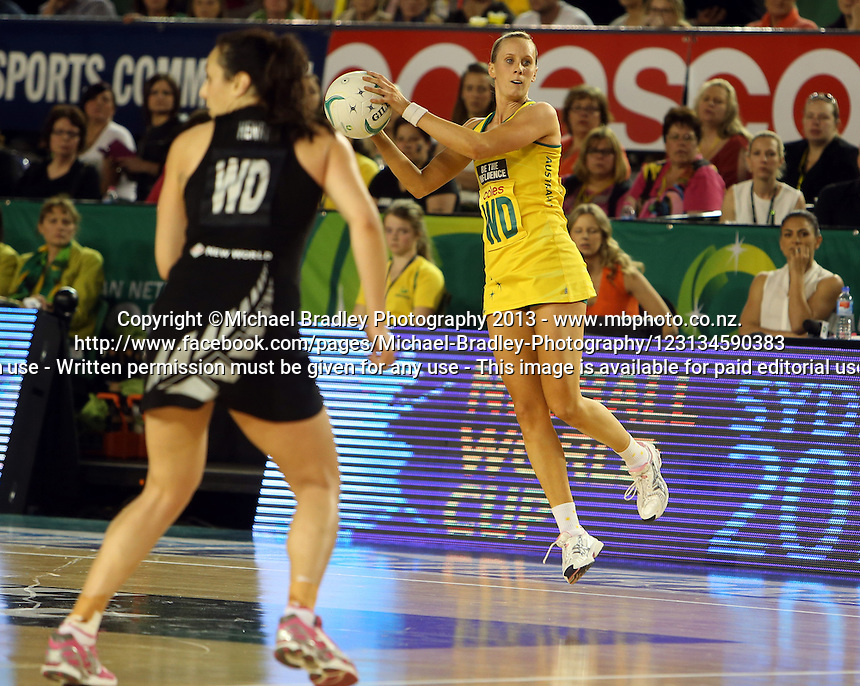 07.10.2013 Australian Diamond Renae Hallinan in action during the Silver Ferns V Australian Diamonds Netball Series played at the Rod Laver Arena in Melbourne Australia. Mandatory Photo Credit ©Michael Bradley.