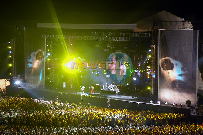 Red Hot Chelli Peppers playing to an 80,000 strong on Stage at Slane Concert.Picture Fran Caffrey Newsfile