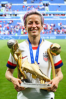 Celebration Megan Rapinoe (USA) victorieuse pose avec ses trophees<br /> Lyon 07/07/2019<br /> Football Womens World Cup Final <br /> United States - Netherlands <br /> Photo  Gwendoline LeGoff / Panoramic/Insidefoto <br /> ITALY ONLY