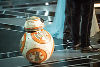 BB-8, Oscar Isaac, Mark Hamill and Kelly Marie Tran present the Oscar&reg; for Best animated short film during the live ABC Telecast of The 90th Oscars&reg; at the Dolby&reg; Theatre in Hollywood, CA on Sunday, March 4, 2018.<br /> *Editorial Use Only*<br /> CAP/PLF/AMPAS<br /> Supplied by Capital Pictures