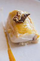 Europe/France/Rhone-Alpes/73/Savoie/<br />  La Perrière l: La Tania: Julien Machet, restaurant: Le Farçon,- Féra avec raviole  de Navet, jus à la vanille