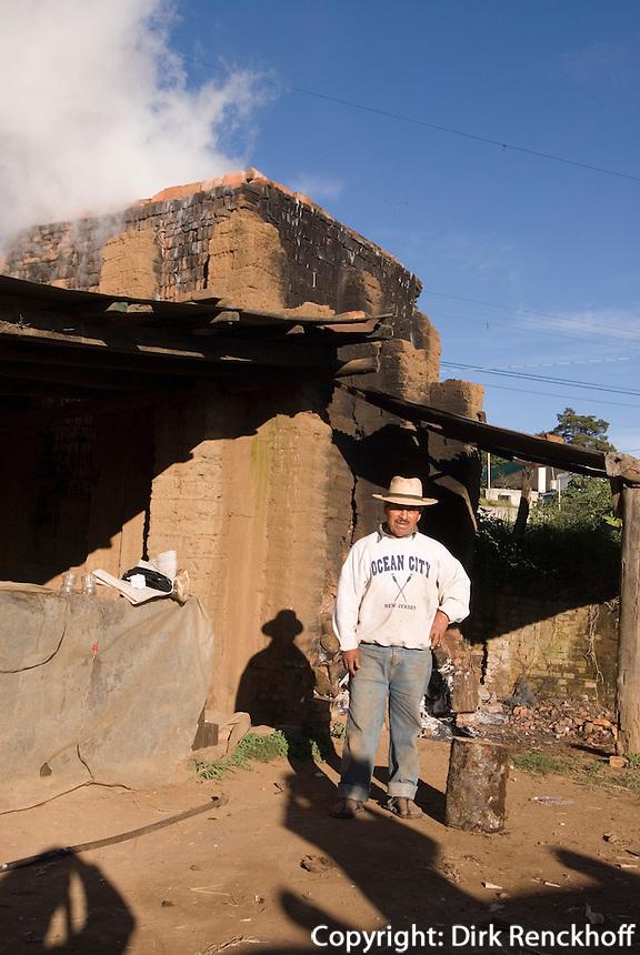 Guatemala, Ziegelei an der Strasse nach Chichicastenango