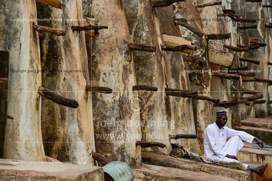 BURKINA FASO , Bobo Dioulasso, grand mosque / Grosse Moschee, aus Lehm im sudanesischen Stil gebaut