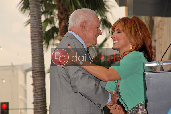 Judge Joseph A. Wapner and Judge Marilyn Milian<br /> at the induction ceremony of Judge Joseph A.Wapner into the Hollywood Walk of Fame, Hollywood, CA. 11-12-09<br /> David Edwards/Dailyceleb.com 818-249-4998