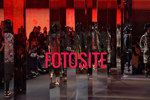 Paris, Franca &ndash; 02/2014 - Desfile de Moncler Gamme Rouge durante a Semana de moda de Paris - Inverno 2014.&nbsp;<br /> Foto: FOTOSITE
