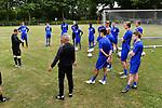 2018-06-22 / Voetbal / Seizoen 2018-2019 / ASV Geel / De kleine spelersgroep luistert naar de uitleg van trainer Bart Janssens<br /> <br /> ,Foto: Mpics