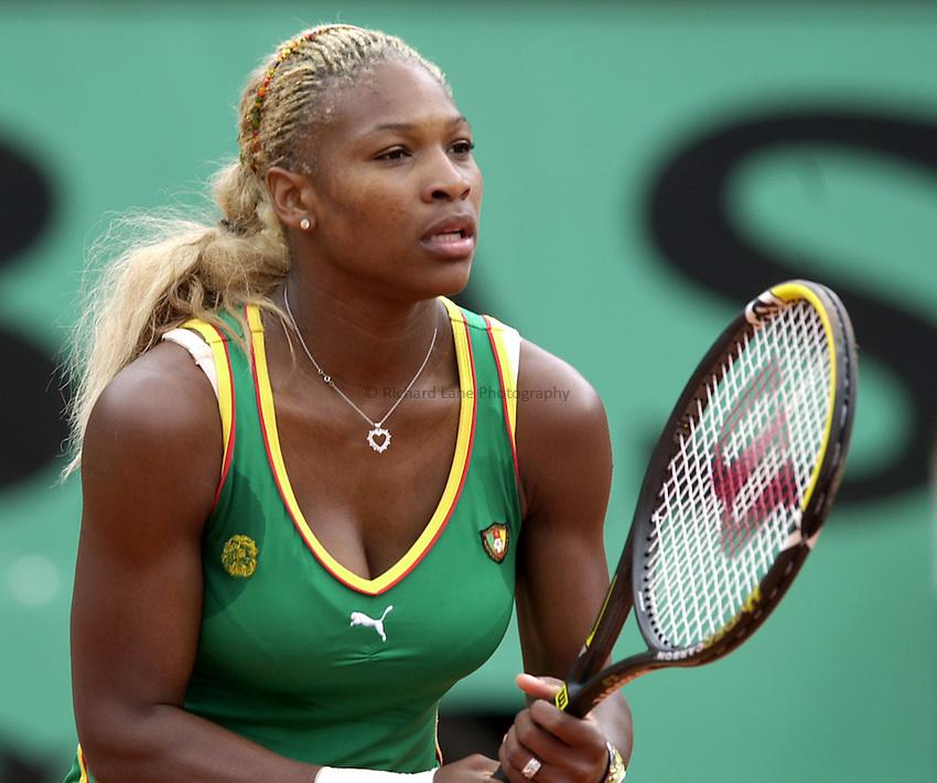 Photo. Richard Lane. .Roland Garros 2002, French Open Tennis. 29/5/2002.Serena Williams of USA.