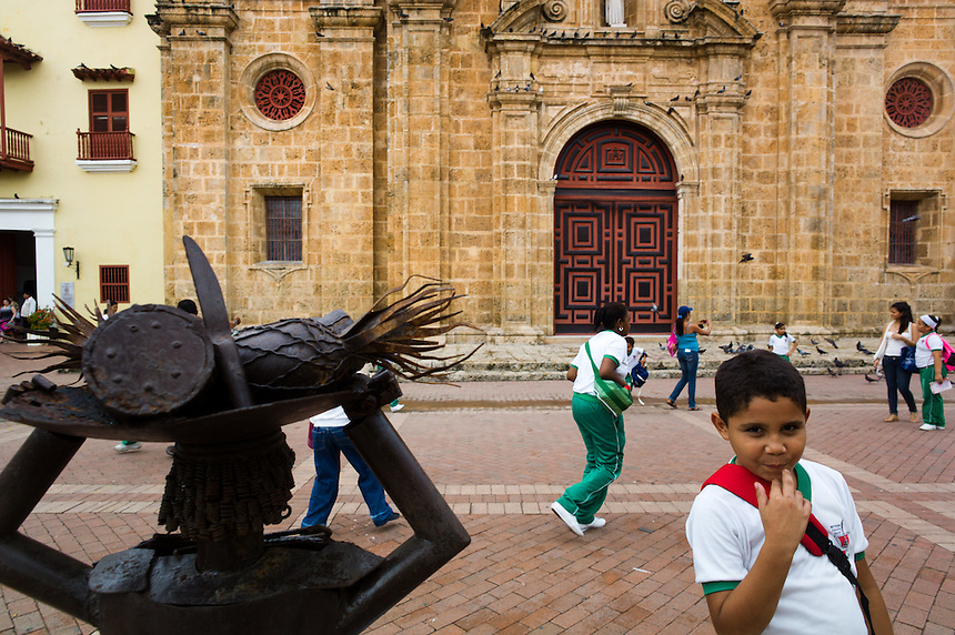 School children on the Plaza San Pedro Claver in Cartagena, Colombia.