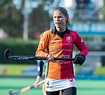 Laren - Maud Renders (OR) tijdens de Livera hoofdklasse  hockeywedstrijd dames, Laren-Oranje Rood (1-3).  COPYRIGHT KOEN SUYK