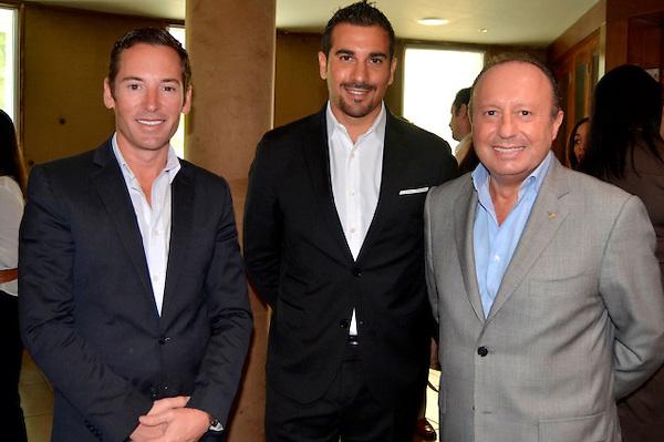 Principal Edward de Valle II, Daniele Trombacco y Paolo Sanavia, ejecutivos del hotel Eden Roc, ubicado en Cap Cana. FE