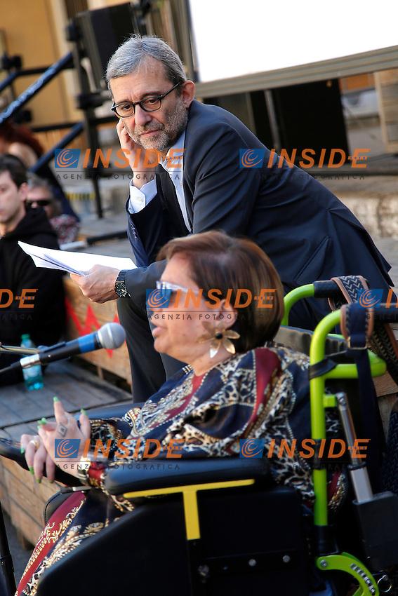 Roberto Giachetti e Ileana Argentin<br /> Roma 6-05-2016. Il candidato sindaco di Roma del PD incontra i disabili nella sede del comitato elettorale.<br /> Photo Samantha Zucchi Insidefoto