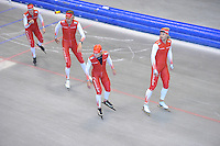 SCHAATSEN: HEERENVEEN: 17-06-2014, IJsstadion Thialf, Zomerijs training, Team Corendon, Maurice Vriend, Sjoerd de Vries, Robbert Bovenhuis, Marije Joling, ©foto Martin de Jong