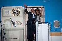 Berlin, der US-amerikanische Praesident Barack Obama und seine Frau Michelle am Mittwoch (19.06.13) am Flughafen Tegel in Berlin vor dem Abflug. Foto: Maja Hitij/CommonLens