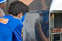 POSÇOS DE CALDAS, MG, 01.02.2014 - CAMPEONATO MINEIRO - CALDENSE X CRUZEIRO - Torcedor do Cruzeiro durante partida entre Caldense x Cruzeiro, válida pelo Campeonato Mineiro realizado no Estádio Ronaldão neste Sábado, 01. (Foto: Daniel Oliveira / Brazil Photo Press)