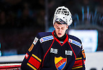 Stockholm 2013-12-28 Ishockey Hockeyallsvenskan Djurg&aring;rdens IF - Almtuna IS :  <br /> Djurg&aring;rden m&aring;lvakt Johan Mattsson ser nedst&auml;md ut<br /> (Foto: Kenta J&ouml;nsson) Nyckelord:  portr&auml;tt portrait depp besviken besvikelse sorg ledsen deppig nedst&auml;md uppgiven sad disappointment disappointed dejected