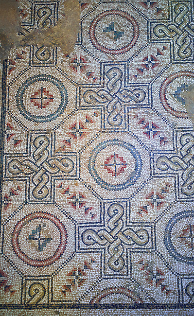 Close up picture of the Roman mosaics of the Kitchen floor depicting geometric mosaic patterns, room no 19 at the Villa Romana del Casale, first quarter of the 4th century AD. Sicily, Italy. A UNESCO World Heritage Site.