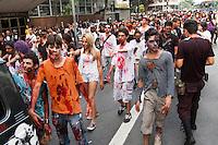 BELO HORIZONTE-MG-01.11.2013 - ZOMBIE WALKE- Zombie na Praça 7, centro de Belo Horizonte. Sabado,02 - (Foto: Sergio Falci / Brazil Photo Press)