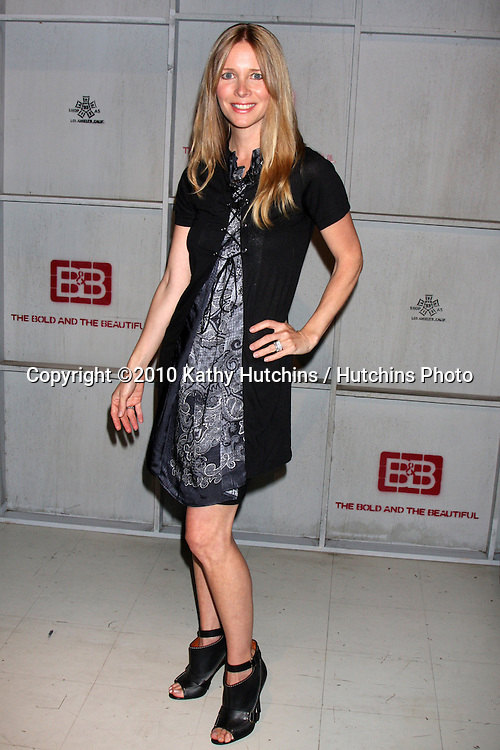 LOS ANGELES - SEP 21:  Lauralee Bell at the Ceremony honoring Lee Phillip Bell  by The International Alliance of Theatrical Stage Employees Union Local 33  at Bold & Beautiful Set - CBS Television CIty  on September 21, 2010 in Los Angeles, CA