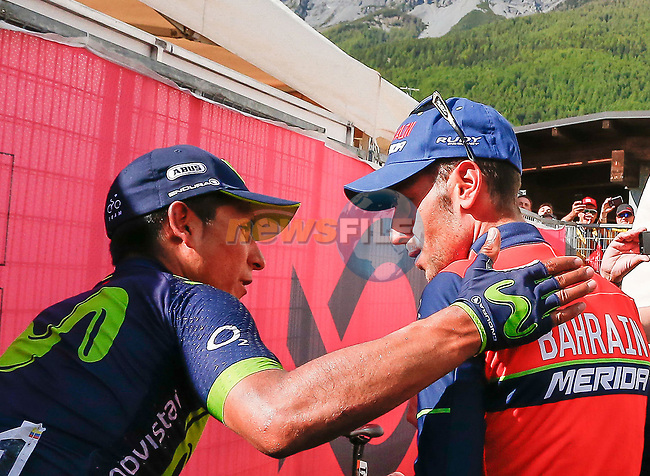 Nairo Quintana (COL) Movistar Team talks to stage winner Vincenzo Nibali (ITA) Bahrain-Merida at the end of Stage 16 of the 100th edition of the Giro d'Italia 2017, running 222km from Rovetta to Bormio, Italy. 23rd May 2017.<br /> Picture: LaPresse/Simone Spada | Cyclefile<br /> <br /> <br /> All photos usage must carry mandatory copyright credit (&copy; Cyclefile | LaPresse/Simone Spada)
