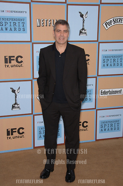 GEORGE CLOONEY at Film Independent's 2006 Independent Spirit Awards on the beach in Santa Monica..March 4, 2006  Santa Monica, CA.© 2006 Paul Smith / Featureflash