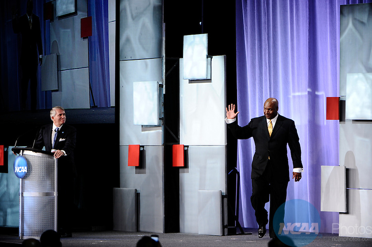 "13 JAN 2011: The NCAA Honors Celebration inside the Grand Hyatt during the annual NCAA Convention held in San Antonio,TX. .Pictured: Vincent ""Bo"" Jackson, Silver Anniversary Award.(Joshua Duplechian/NCAA Photos)."