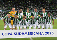 MEDELLIN- COLOMBIA - 24-11-2016: Los Jugadores de Atletico Nacional de Colombia, posan para una foto durante partido de vuelta entre Atletico Nacional de Colombia y Cerro Porteño de Paraguay por las semifinales de la Copa Suramericana en el estadio Atanasio Girardot de la ciudad de Medellin.  / The players of Atletico Nacional of Colombia, pose for a photo during a match between Atletico Nacional of Colombia and Cerro Porteño of Paraguay for the second leg of the semifinals of the South American Cup at the Atanasio Girardot stadium in the city of Medellin. Photo: VizzorImage / Leon Monsalve / Cont.