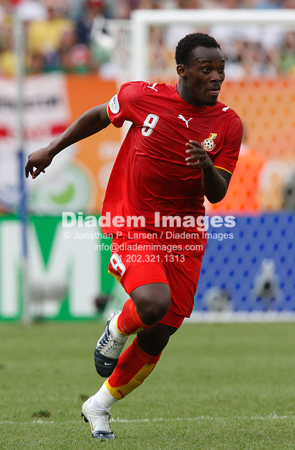 NUREMBERG, GERMANY - JUNE 22:  Michael Essien of Ghana in action during a 2006 FIFA World Cup soccer match against the United States June 22, 2006 in Nuremberg, Germany.  (Photograph by Jonathan P. Larsen)