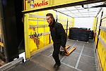 Foto: VidiPhoto<br /> <br /> DUIVEN – Transportbedrijf Melis Logistics in Duiven, met werkzaamheden op het laadperron en eigenaar-directeur Marwin Melis.