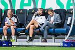 Solna 2015-07-26 Fotboll Allsvenskan AIK - IF Elfsborg :  <br /> AIK:s chefstr&auml;nare tr&auml;nare Andreas Alm skriver anteckningar under matchen mellan AIK och IF Elfsborg <br /> (Foto: Kenta J&ouml;nsson) Nyckelord:  AIK Gnaget Friends Arena Allsvenskan Elfsborg IFE tr&auml;nare manager coach
