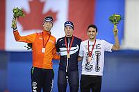 SPEEDSKATING: CALGARY: 15-11-2015, Olympic Oval, ISU World Cup, Podium Mass Start Men, Jorrit Bergsma (NED), Bart Swings (BEL), Reyon Kay (NZL), ©foto Martin de Jong
