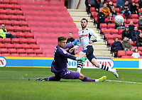 Tom Barkhuizen of Preston North End shot saved by Dillon Phillips of Charlton Athletic during Charlton Athletic vs Preston North End, Sky Bet EFL Championship Football at The Valley on 3rd November 2019
