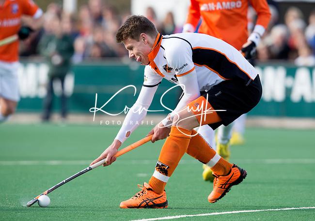 BLOEMENDAAL - HOCKEY - Jelle Galema van OZ  tijdens de hoofdklasse competitiewedstrijd tussen de mannen van Bloemendaal en Oranje-Zwart (2-2). FOTO KOEN SUYK