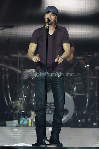 HOLLYWOOD FL - OCTOBER 25 : Enrique Iglesias performs at Hard Rock Live held at the Seminole Hard Rock Hotel & Casino on October 25, 2014 in Hollywood, Florida. . Credit: mpi04/MediaPunch