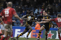 Wycombe, GREAT BRITAIN, Paul SACKEY, looking to pass the ball, during the Heineken Cup game Wasps vs Llanelli Scarlets, at Adams Park Stadium, Bucks, 13.01.2008 [Photo, Peter Spurrier/Intersport-images]