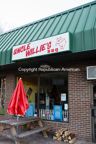 SEYMOUR, CT- 23 November 2015-112315EC03-   Uncle Willie's barbecue restaurant in Seymour is along West Street. Erin Covey Republican-American