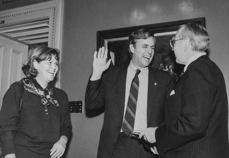 Rep. Peter Plympton Smith, R-Vt., with wife Sally and party member on Jan. 15, 1989. (Photo by Andrea†Mohin/CQ Roll Call)