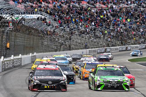 #18: Kyle Busch, Joe Gibbs Racing, Toyota Camry Interstate Batteries, #20: Erik Jones, Joe Gibbs Racing, Toyota Camry Reser's