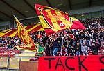 S&ouml;dert&auml;lje 2014-05-18 Fotboll Superettan Syrianska FC - Hammarby IF :  <br /> Syrianska supportrar med en flagga<br /> (Foto: Kenta J&ouml;nsson) Nyckelord:  Syrianska SFC S&ouml;dert&auml;lje Fotbollsarena Hammarby HIF Bajen supporter fans publik supporters