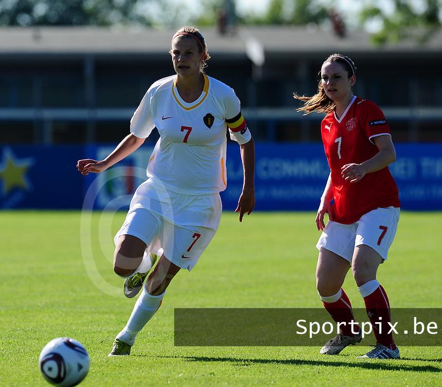European Women's Under - 19 Championship 2011 Italy :.Switzerland - Belgium U19 : Justine Vanhaevermaet voor Michelle Probst.foto DAVID CATRY / VROUWENTEAM.BE