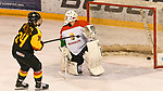06.01.2020, BLZ Arena, Füssen / Fuessen, GER, IIHF Ice Hockey U18 Women's World Championship DIV I Group A, <br /> Deutschland (GER) vs Ungarn (HUN), <br /> im Bild Shot-Out, Jennifer Miller (GER, #14) trifft als einzige Spielerin (bei insgesammt 26 Schuessen) das Tor von Zsofia Toth (HUN, #20) zum Endstand von 2:1<br /> <br /> Foto © nordphoto / Hafner
